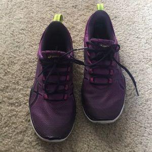 Shoes - Sz 5.5 ASICS Gel-Fit Sana